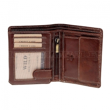 real-leather-wallet-in-a-portrait-format_583.jpg